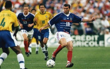 France soccer team star Zinedine Zidane is seen in action during the final game against  Brazil, in Stad de France, Saint-Denis, Paris, on July 12, 1998. France defeated Brazil 3-0 to win the World Cup. (Ap Photo/Carlo Fumagalli)