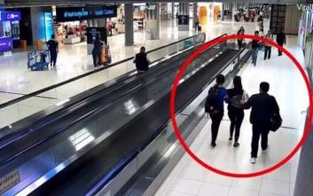 Την απήγαγαν μέσα στο αεροδρόμιο λίγα λεπτά αφού είχε αποβιβαστεί από την πτήση της