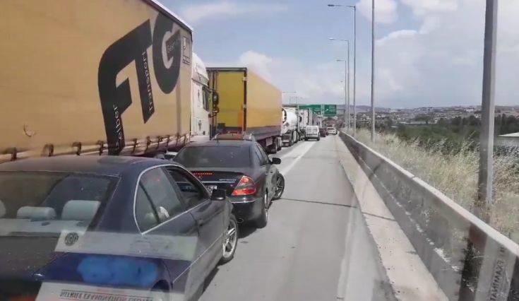 Το βίντεο με το ασθενοφόρο στο δρόμο της Θεσσαλονίκης που έκανε πάνω από 630.000 προβολές