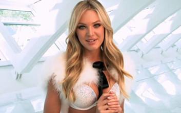 Εσείς ακούσατε τα κάλαντα από τα κορίτσια της Victoria΄s Secret;