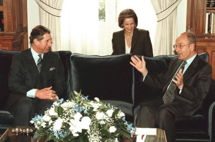 ÅÐÉÓÊÅØÇ ÔÏÕ ÐÑÉÃÊÇÐÁ ÊÁÑÏËÏÕ ÓÔÇÍ ÁÈÇÍÁ (22-23/11/1998) (EUROKINISSI/ÃÉÙÑÃÏÓ ÊÏÍÔÁÑÉÍÇÓ)