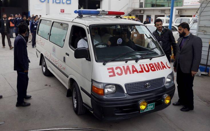 Νεκροί μετανάστες από ασφυξία βρέθηκαν μέσα σε φορτηγό
