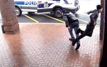 Έτρεχε για να γλιτώσει τη σύλληψη, αλλά δεν υπολόγισε στον άντρα με το μπαστούνι