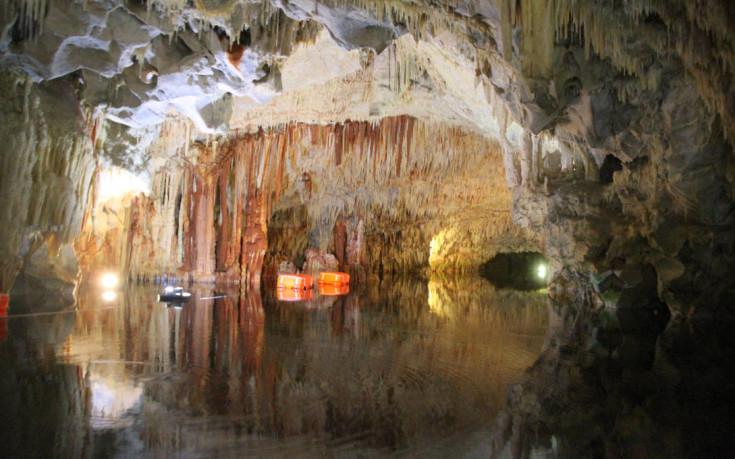 Μυσταγωγία και δέος στο Σπήλαιο Διρού