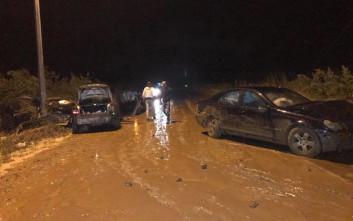 Καραμπόλα τριών αυτοκινήτων σε δρόμο γεμάτο λάσπη στις Σέρρες