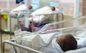 Πήγε στο νοσοκομείο με πόνους στην κοιλιά κι έφυγε με μωρό