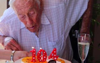 Η οδύσσεια ενός Αυστραλού 104 ετών να πάει στην Ελβετία για να πεθάνει