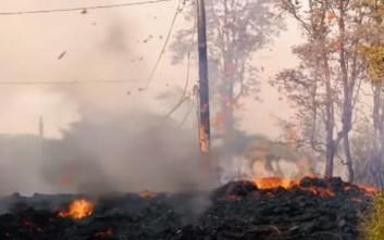 Συνεχίζει να κυλάει λάβα από το ηφαίστειο Κιλαουέα