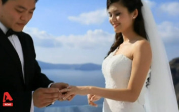Ένα καράβι γεμάτο Κινέζους με προορισμό… τη Σαντορίνη για τον γάμο των ονείρων τους