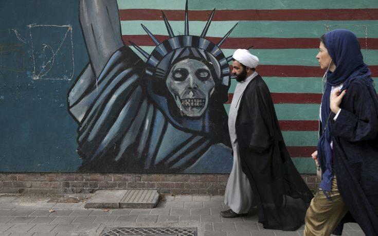 «Το Ιράν μπορεί να βυθίσει αμερικανικά πολεμικά πλοία με μυστικά όπλα»