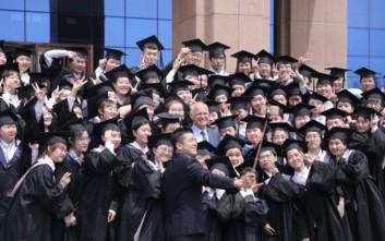 Διαλέξεις σε κινεζικά πανεπιστήμια δίνει ο Γιώργος Παπανδρέου