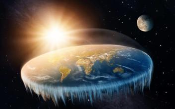 Ακόμα και τη βαρύτητα «κατέρριψαν» στο συνέδριο των οπαδών της επίπεδης Γης!