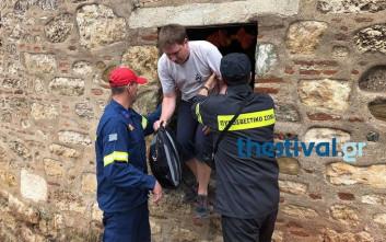 Απεγκλωβίστηκαν από τον Λευκό Πύργο οι μαθητές και οι τουρίστες