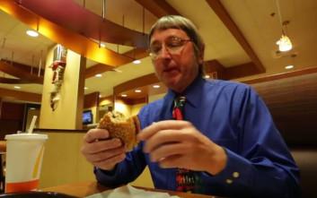 Γνωρίστε τον άνθρωπο που έχει φάει τα περισσότερα μπέργκερ στον κόσμο