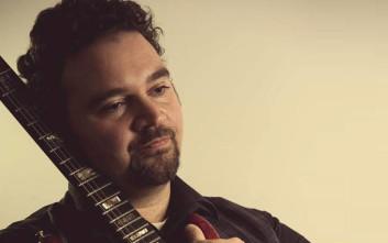 Μαθήματα Κιθάρας με τον Πάνο Μαλαχιά