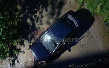 Εγκλωβίστηκε στο αυτοκίνητό του μετά από πτώση σε ρέμα