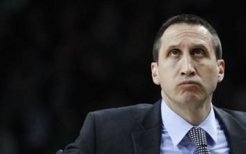 David Blatt the coach of the Maccabi Electra Tel Aviv  reacts  during the top 16 Euroleague basketball match against BC Zalgiris  in  Kaunas, Lithuania, Thursday, Jan. 19, 2012. (AP Photo/Mindaugas Kulbis)