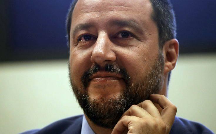 Η Ιταλία δεν θα δεχθεί πλοίο που διέσωσε μετανάστες
