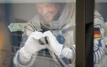 Τρεις αστροναύτες καθ' οδόν προς τον Διεθνή Διαστημικό Σταθμό