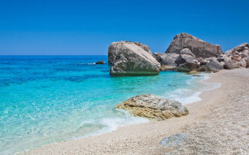 Κατασχέθηκαν δέκα τόνοι άμμου και επιστρέφουν στις παραλίες της Σαρδηνίας