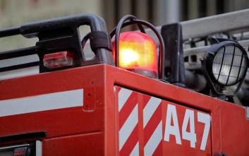 Φωτιά σε σπίτι στην Καλλιθέα, ένας τραυματίας