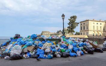 Εικόνες ντροπής με τα σκουπίδια στην Κέρκυρα