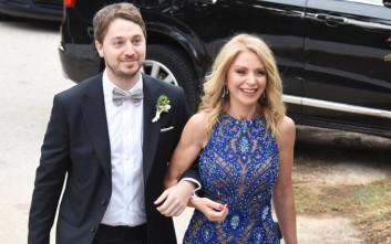 Η ολόσωμη φόρμα της Έλλης Στάη στο γάμο του γιου της
