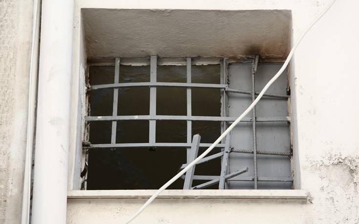 Δείτε εικόνες από το σημείο που «ξεγλίστρησαν» οι δραπέτες στην Αργυρούπολη