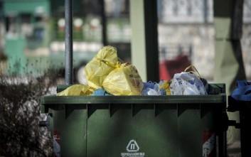 Βρέφος βρέθηκε μέσα σε κάδο απορριμμάτων στην Καλαμάτα