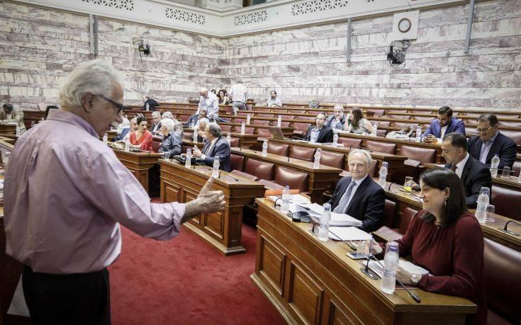 Ένταση στη Βουλή για τη μεταρρύθμιση στην Παιδεία