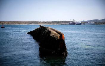H ανέλκυση του Corfu Island που βυθίστηκε το 1986 στο Πέραμα