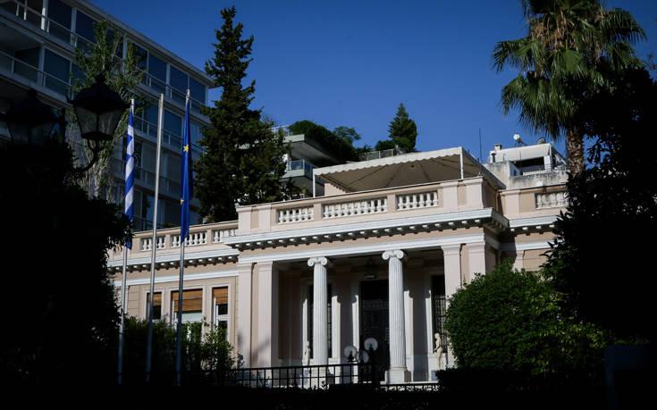 Ευθείες βολές Μαξίμου και ΣΥΡΙΖΑ κατά Μητσοτάκη