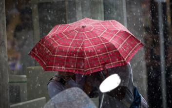 Προβλήματα από την καταρρακτώδη βροχή και τους ανέμους σε Καβάλα και Ξάνθη