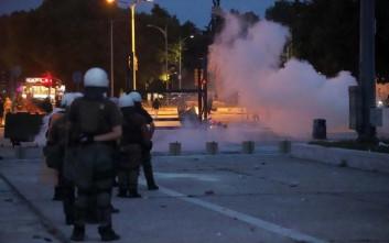 Δεκατέσσερις τραυματίες αστυνομικοί από τα χθεσινά επεισόδια έξω από τη ΔΕΘ
