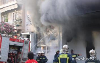 Νέες εικόνες από τη φωτιά στην αποθήκη ηλεκτρικών ειδών στο Περιστέρι