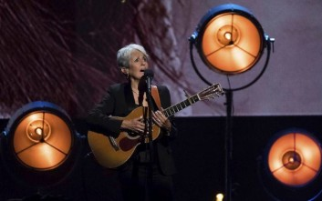 Inductee Joan Baez performs at the 2017 Rock and Roll Hall of Fame induction ceremony at the Barclays Center on Friday, April 7, 2017, in New York. (Photo by Charles Sykes/Invision/AP)