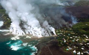 Λάβα από το Κιλαουέα καταπίνει σπίτια στη Χαβάη