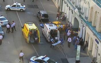 Ταξί έπεσε πάνω σε πλήθος στο κέντρο της Μόσχας