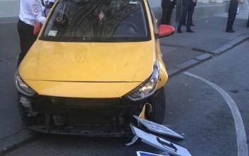 Τον πήρε ο ύπνος στο τιμόνι τον οδηγό του ταξί που έπεσε πάνω σε πλήθος στη Μόσχα
