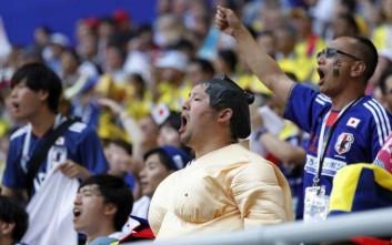 Πριν φύγουν από το γήπεδο, οι Ιάπωνες οπαδοί έκαναν το καθήκον τους