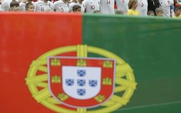 Ο Πορτογάλος διεθνής που χρεοκόπησε και μένει με τους γονείς του