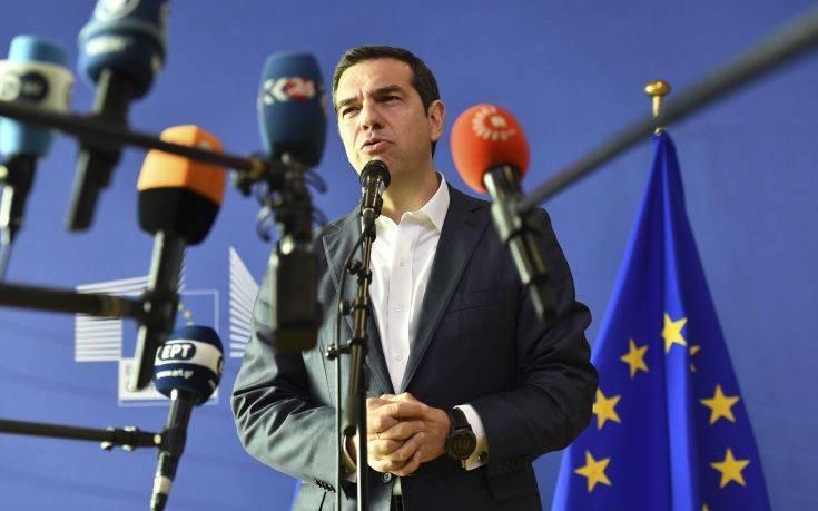 Financial Times: Ο Αλέξης Τσίπρας έτοιμος να υπογράψει συμφωνία με τη Μέρκελ για επιστροφή μεταναστών