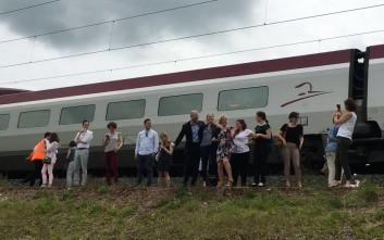 Ευρωβουλευτές καθηλώθηκαν σε τρένο λόγω βλάβης στο σύστημα ηλεκτροδότησης