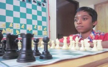 Διεθνής Γκραν Μετρ, ετών… 12
