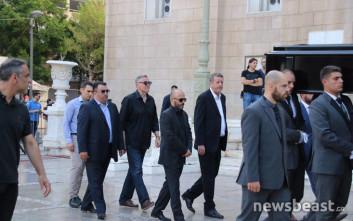 Οι πρώτες εικόνες από το λαϊκό προσκύνημα στη σορό του Παύλου Γιαννακόπουλου