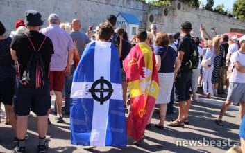 Οι πρώτες εικόνες από το συλλαλητήριο για το Σκοπιανό στο Σύνταγμα