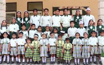 Το σχολείο στην Ινδία που έχει 17 ζευγάρια διδύμων