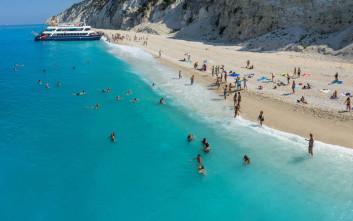 Εγκρεμνοί, η συναρπαστική παραλία της Λευκάδας