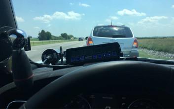 Το tweet αστυνομικού για την οδηγό «χελώνα» που ενθουσίασε το διαδίκτυο