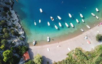 Παραλίες-διαμάντια σε απόσταση αναπνοής από την Αθήνα